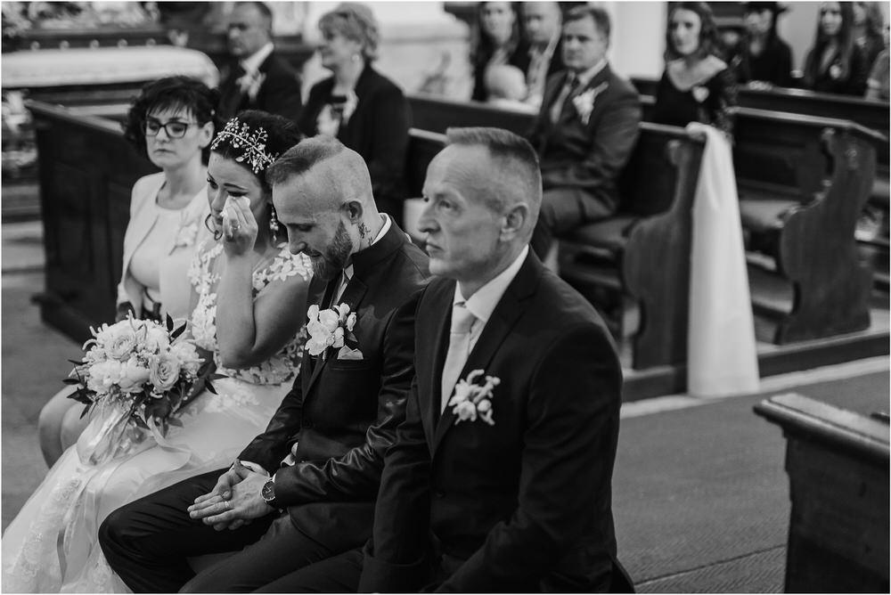 skedenj poroka porocni fotograf fotografiranje elegantna poroka rustikalna poroka pod kozolcem pcakes velesovo mdetail nika grega 0037.jpg