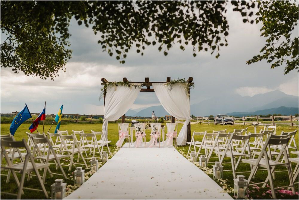 skedenj poroka porocni fotograf fotografiranje elegantna poroka rustikalna poroka pod kozolcem pcakes velesovo mdetail nika grega 0051.jpg