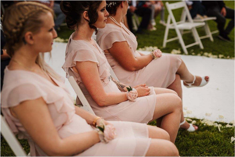 skedenj poroka porocni fotograf fotografiranje elegantna poroka rustikalna poroka pod kozolcem pcakes velesovo mdetail nika grega 0057.jpg