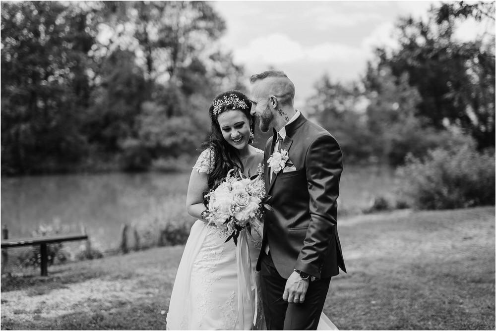 skedenj poroka porocni fotograf fotografiranje elegantna poroka rustikalna poroka pod kozolcem pcakes velesovo mdetail nika grega 0072.jpg