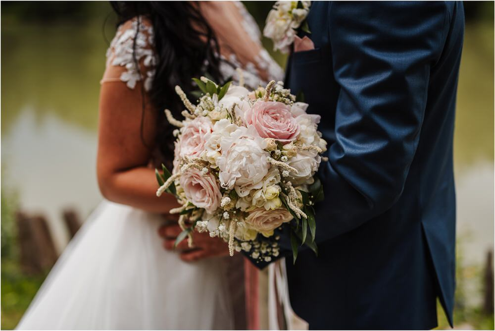 skedenj poroka porocni fotograf fotografiranje elegantna poroka rustikalna poroka pod kozolcem pcakes velesovo mdetail nika grega 0074.jpg