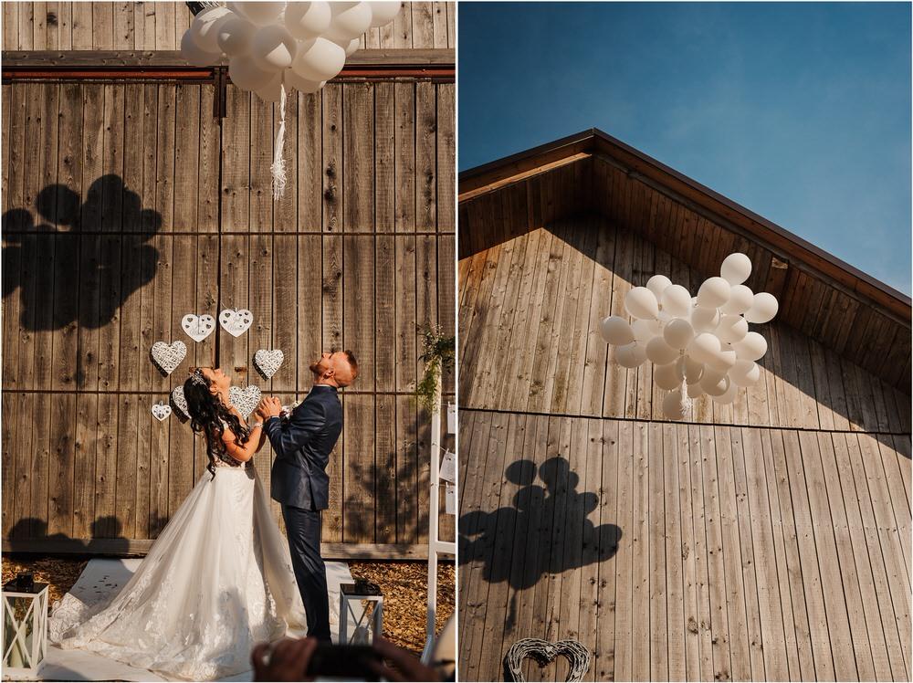 skedenj poroka porocni fotograf fotografiranje elegantna poroka rustikalna poroka pod kozolcem pcakes velesovo mdetail nika grega 0089.jpg