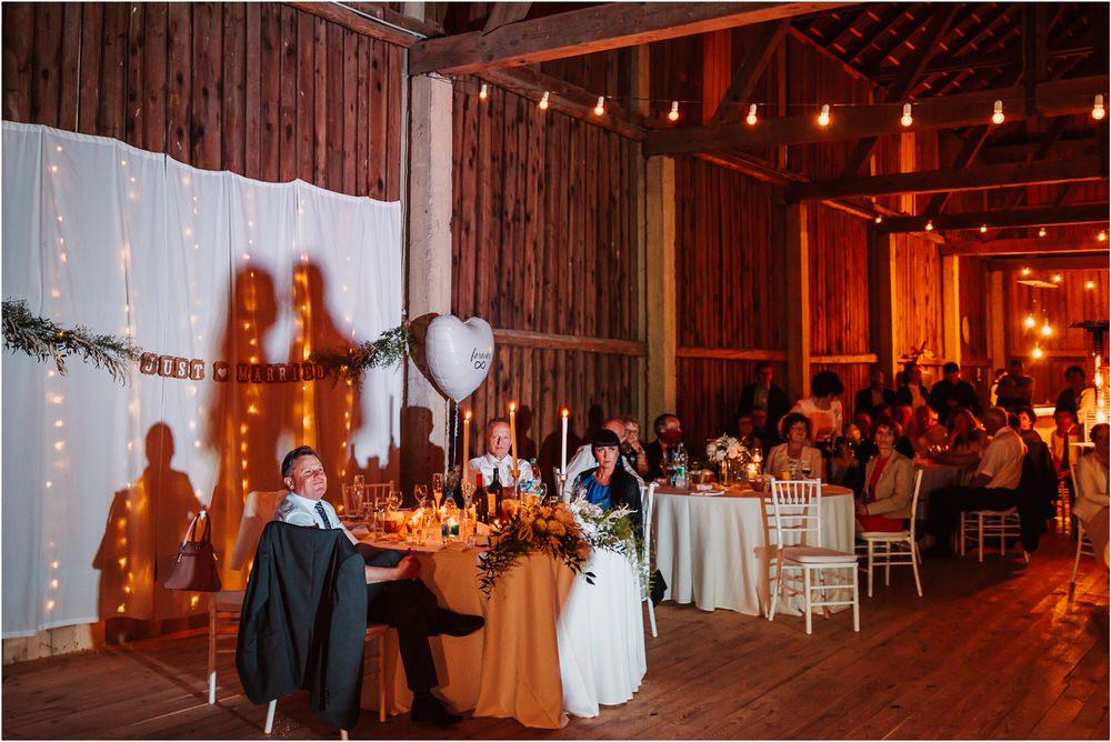skedenj poroka porocni fotograf fotografiranje elegantna poroka rustikalna poroka pod kozolcem pcakes velesovo mdetail nika grega 0116.jpg