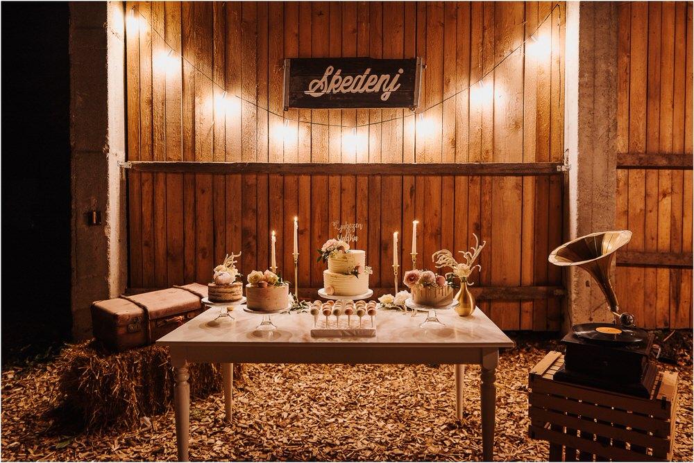 skedenj poroka porocni fotograf fotografiranje elegantna poroka rustikalna poroka pod kozolcem pcakes velesovo mdetail nika grega 0128.jpg