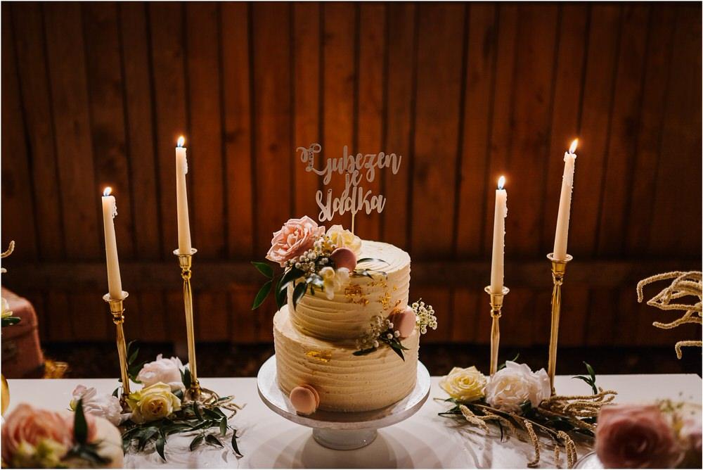 skedenj poroka porocni fotograf fotografiranje elegantna poroka rustikalna poroka pod kozolcem pcakes velesovo mdetail nika grega 0129.jpg