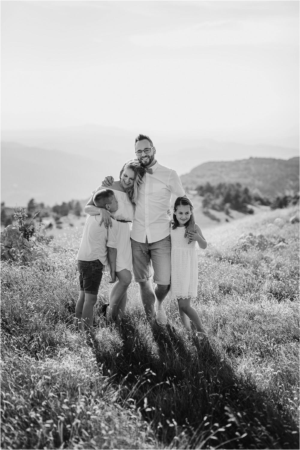 druzinsko fotografiranje nanos slovenija zaroka poroka porocni fotograf vipava primorska family anniversary obletnica poroke 0003.jpg