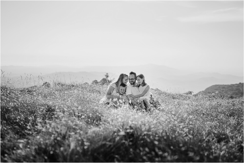 druzinsko fotografiranje nanos slovenija zaroka poroka porocni fotograf vipava primorska family anniversary obletnica poroke 0006.jpg