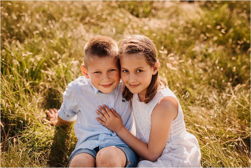 druzinsko fotografiranje nanos slovenija zaroka poroka porocni fotograf vipava primorska family anniversary obletnica poroke 0014.jpg