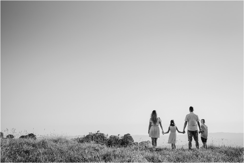 druzinsko fotografiranje nanos slovenija zaroka poroka porocni fotograf vipava primorska family anniversary obletnica poroke 0016.jpg