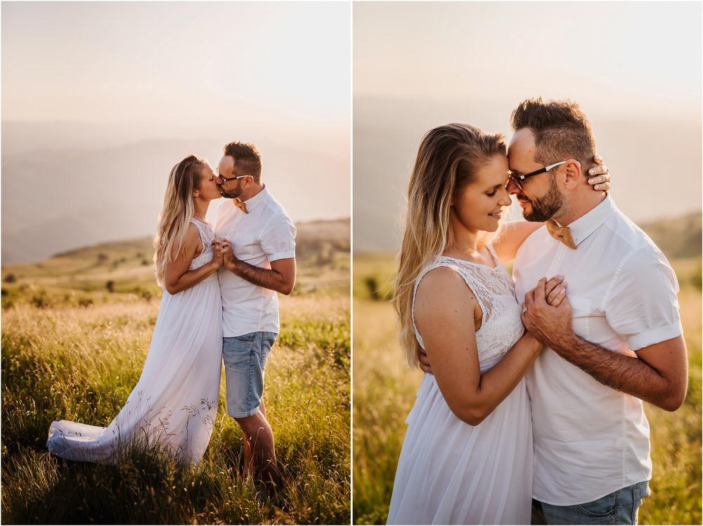druzinsko fotografiranje nanos slovenija zaroka poroka porocni fotograf vipava primorska family anniversary obletnica poroke 0033.jpg