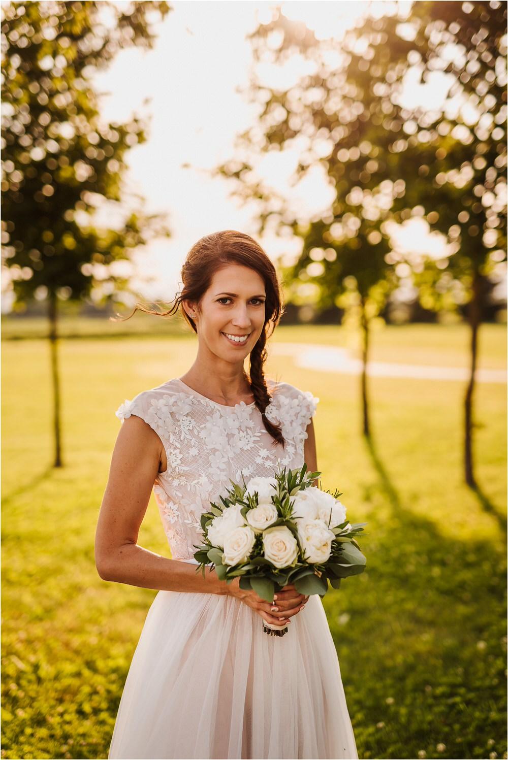 poroka ptuj romantična boho envy room terme nika grega porocni fotograf naravno nasmejano 0085.jpg