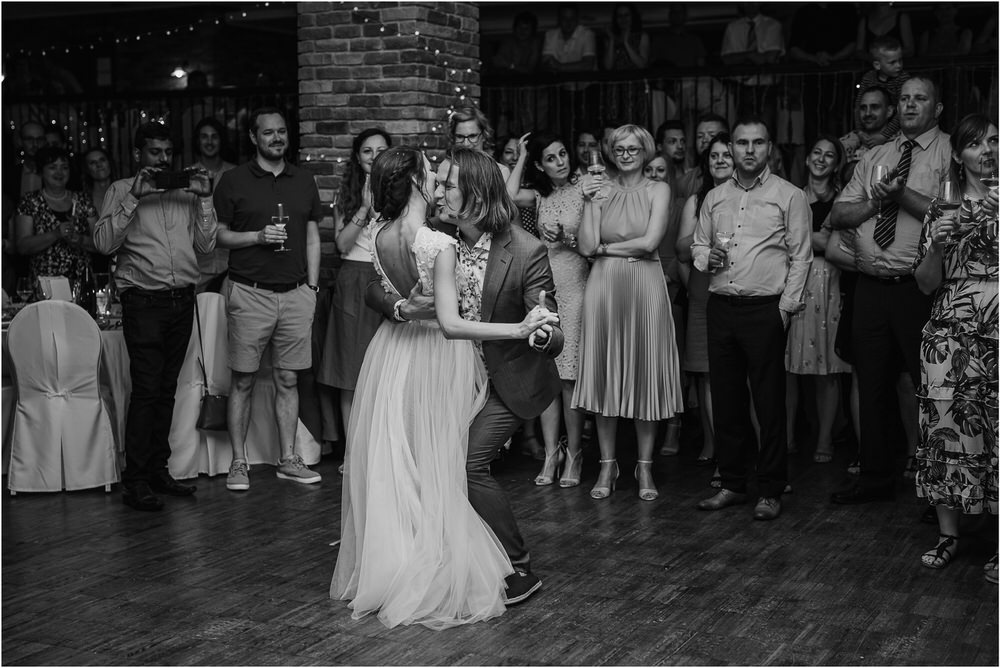 poroka ptuj romantična boho envy room terme nika grega porocni fotograf naravno nasmejano 0100.jpg