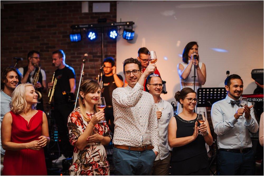 poroka ptuj romantična boho envy room terme nika grega porocni fotograf naravno nasmejano 0102.jpg