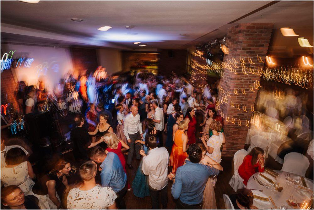 poroka ptuj romantična boho envy room terme nika grega porocni fotograf naravno nasmejano 0106.jpg
