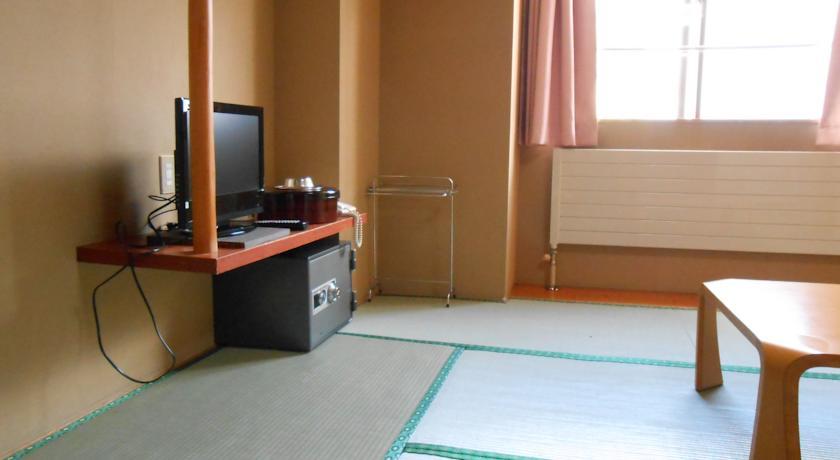 ホテルシャレー竜王-1.jpg
