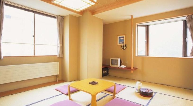 ホテルシャレー竜王-6.jpg