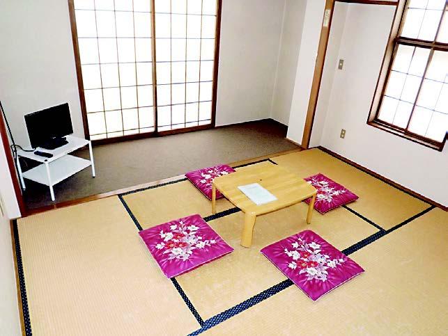 Holiday Inn Kobayashi-2.jpg