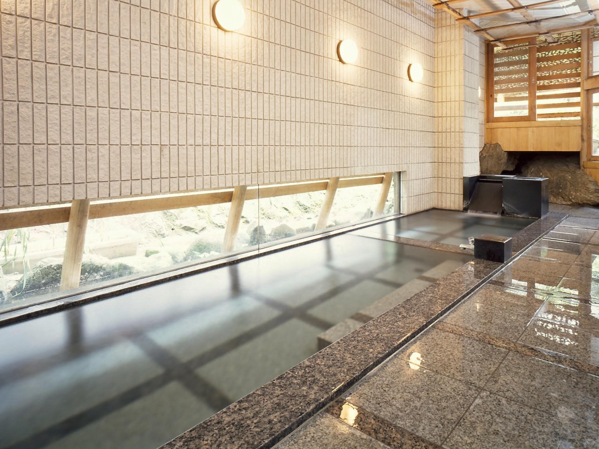 河一屋 浴場2.jpg