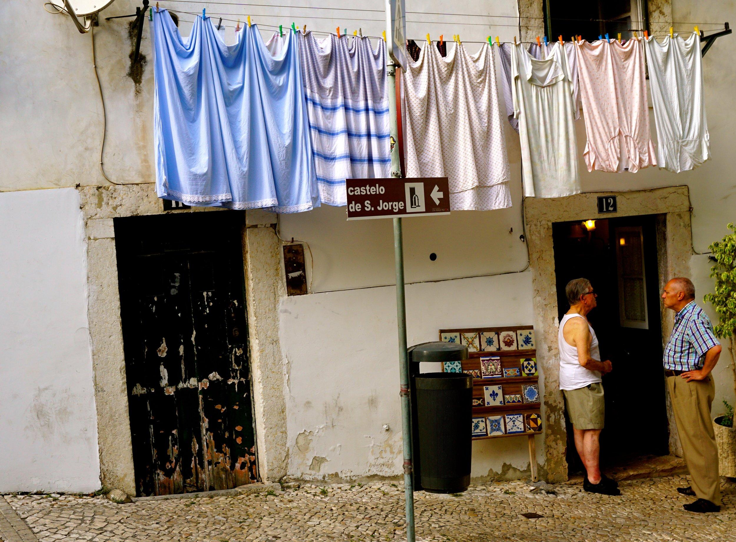 Der Stadtteil Alfama - viele kleine Straßen, viel echtes Leben.