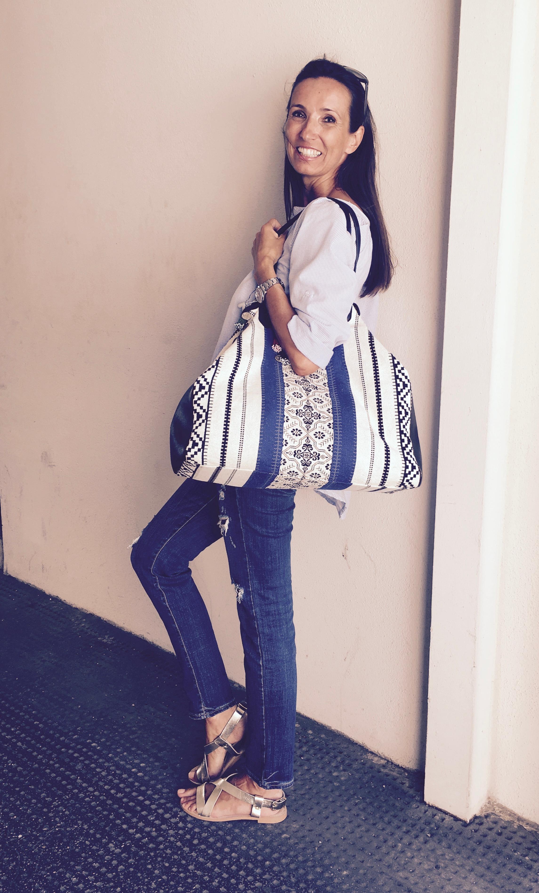 Schuhe: IvyLee, Jeans: Diesel, Tasche: SU Collection