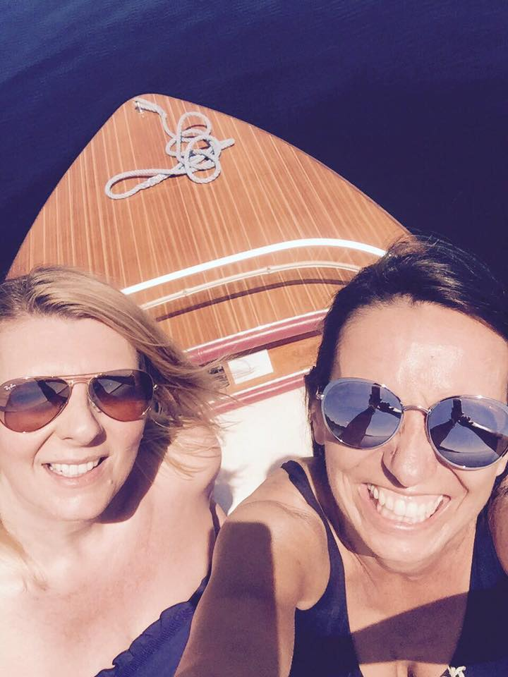 Vanessa und ich auf dem Starnberger See. High on the happy side.