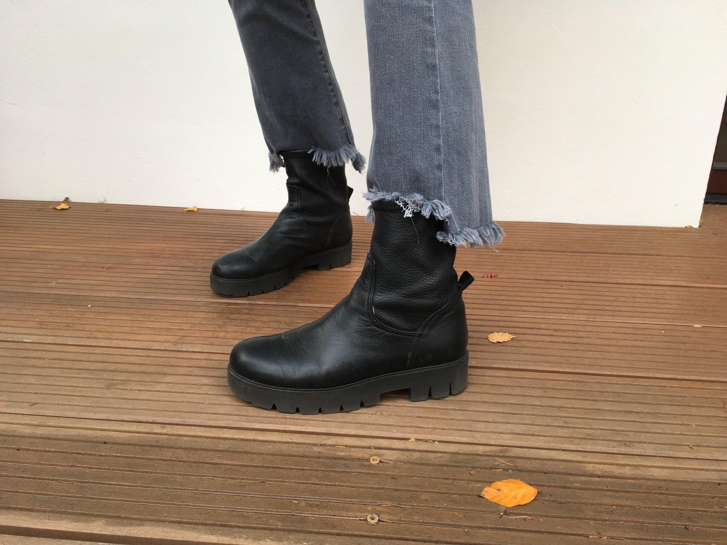 Cropped Jeans Biker Boots  Mode für Frauen über 50