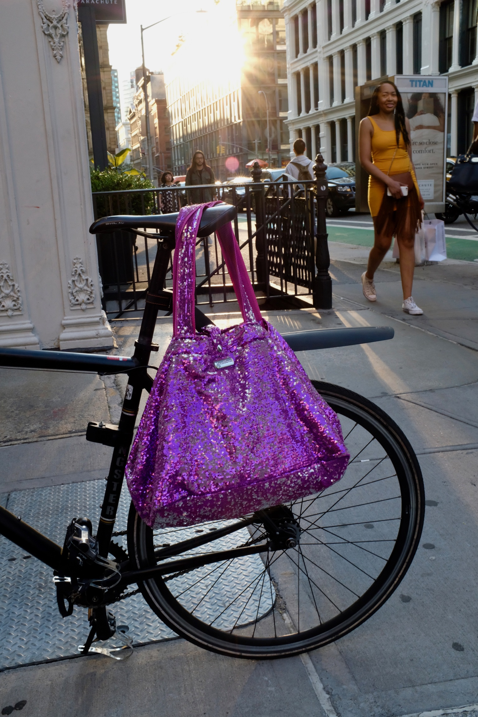 Blog für Frauen über 50 BeFifty Was anziehen, wenn es richtig heiß wird? Zadig&Voltaire Kleid Schuhe IvyLee Copenhagen Ruby Store München Tasche Brasi&Brasi New York