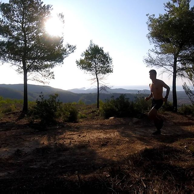 It was a struggle to get out of bed early today, but worth it for a little adventure, running up into the hills with stunning  views towards Tagomago and the northeast coast of Ibiza .  16km on the trails with 500m elevation gain - not a bad morning's work! Hope you had a great start to the day!  #trailrunning #runwild #runfree #runibiza #ibiza #inov8 #ukrunchat #hardlopen #laufen #correr #halfmarathon #marathon #getoutside #instarunners #adventure #trailrun #trailrunner #posemethod #activetravel #ileavenothingbutfootprints
