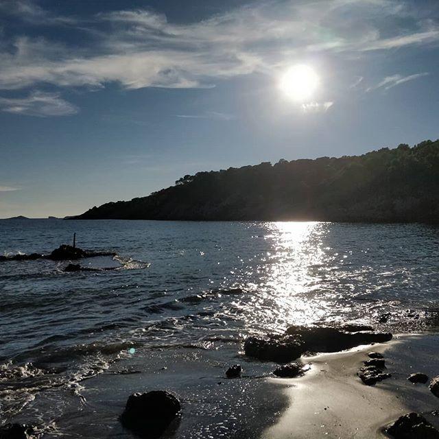 Post-run swim in the crystal clear and slightly chilly waters of Cala Boix - you gotta love November in Ibiza!  #trailrunning #runwild #runfree #runibiza #ibiza #ukrunchat #hardlopen #laufen #correr #halfmarathon #marathon #getoutside #instarunners #adventure #openwaterswimmimg #trailrun #trailrunner #posemethod #activetravel #ileavenothingbutfootprints