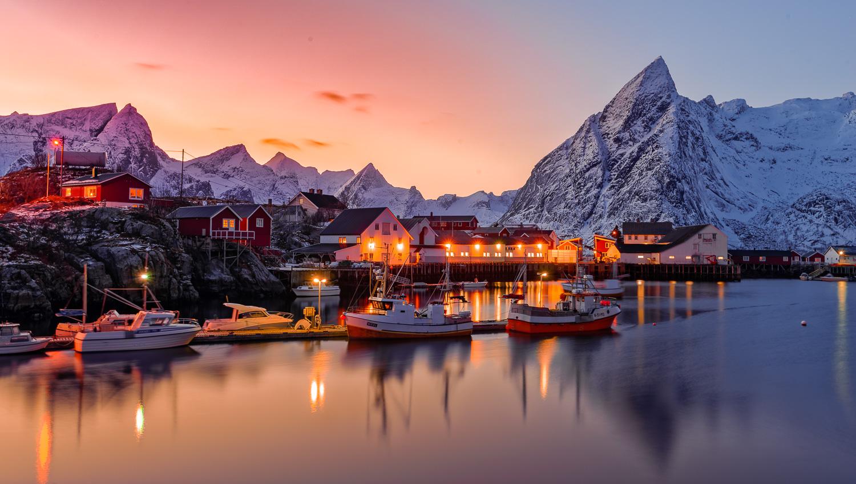 Coucher du Soleil sur les Fjord Norvègiens