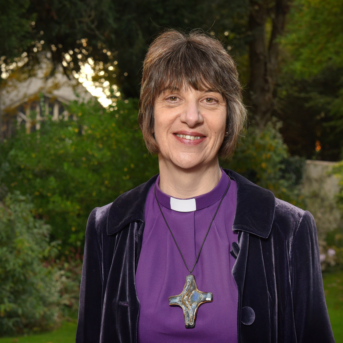 Bishop-Rachel-supports-Nelsons-Trust.jpg