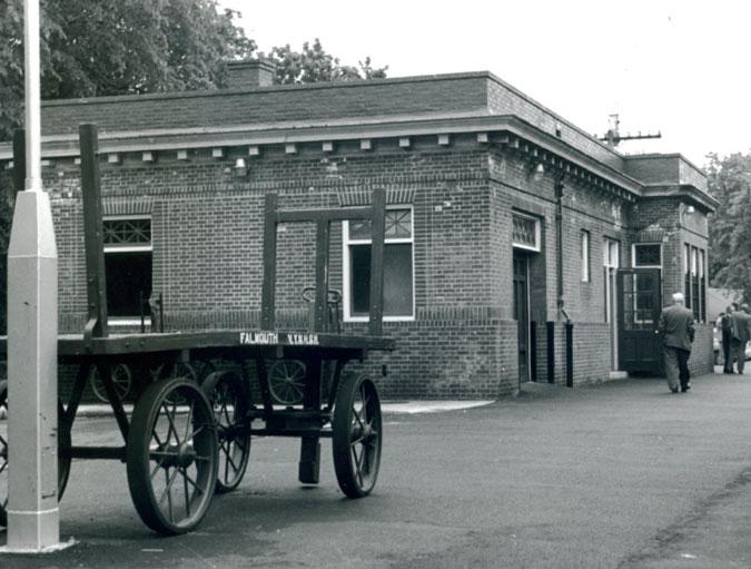 Station Train Loading Side, 1954 (1)