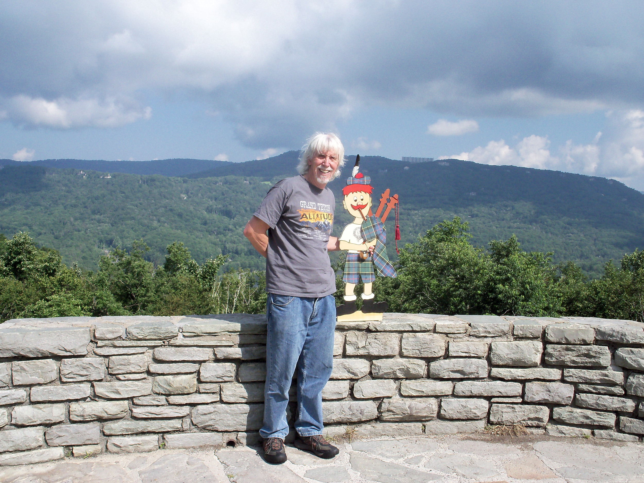 2011 Frank Richardson and Lil Matt on the Blue Ridge Parkway on the road to Grandfather Mt. Highland Games.jpg