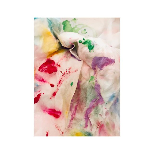 Photogenic leftover paint . . . . . #abstractphotography #palette #splodges #colours #instadaily #rags #leftovers