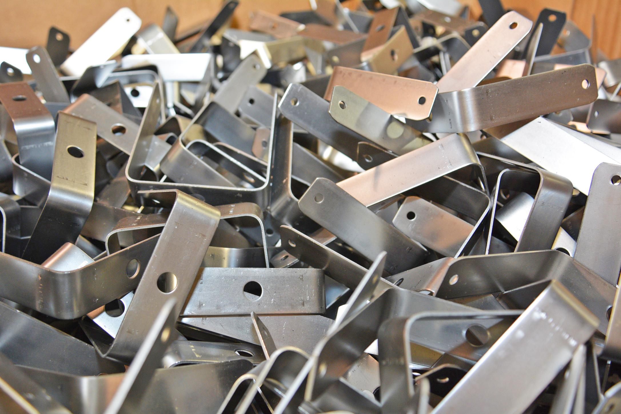 metal-stampings-lewel-tool.JPG