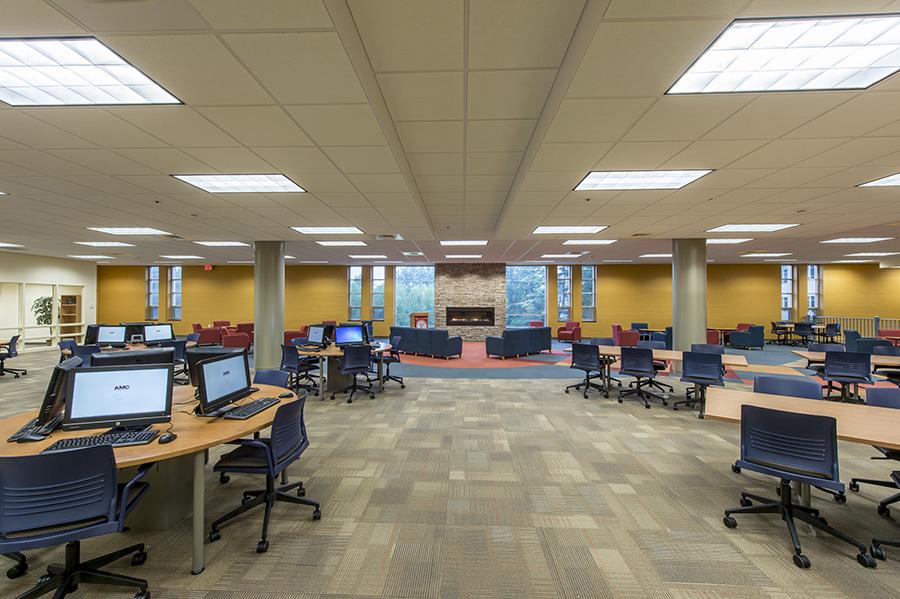 Anna_Maria_College_Library2.jpg