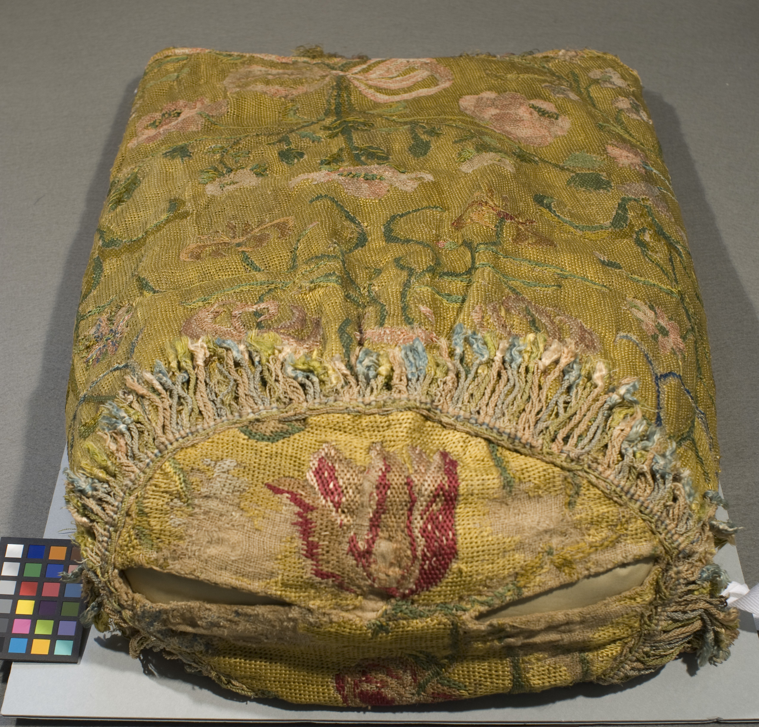 Internal shaping was required to display this Torah mantle.
