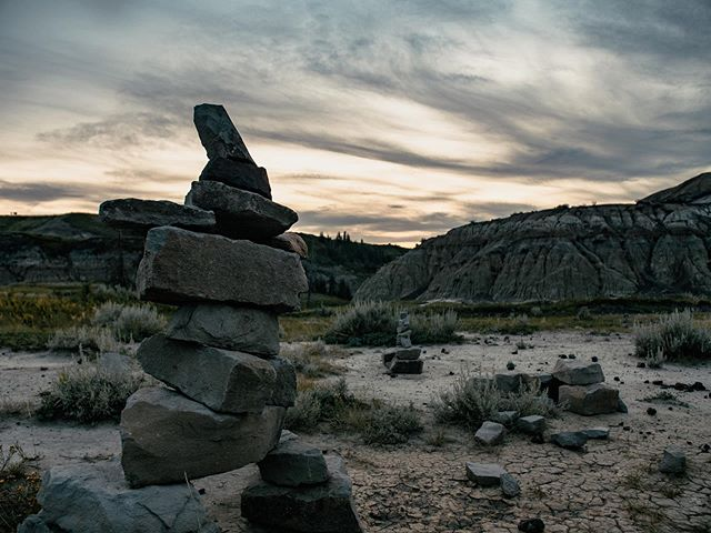I keep forgetting how beautiful drumheller is, especially the sunsets 🌅