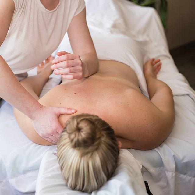 Deep tissue massage is designed to relieve pain and muscle tension throughout the body. It's beneficial as it reaches the deep layers of muscles and affecting connective tissue (fascia), and tendons. The goal is to release adhesions in the tissues that cause pain, inflammation and limit joint range of motion. I like to approach deep tissue using a slow flow, with the broad part of my forearm so the client doesn't experience that pointy elbow in my back feeling. 📷@jessica_sypher . . . . . #deeptissue #massage #move #healthyhalifax #smallbusiness #downtownhalifax #halifaxfit #haligonia #halifaxbusiness #localbiz #halifaxlocal #massagetherapy #therapeautic #wellnessatwork #corporatewellnessprogram #massageatwork #selfcare