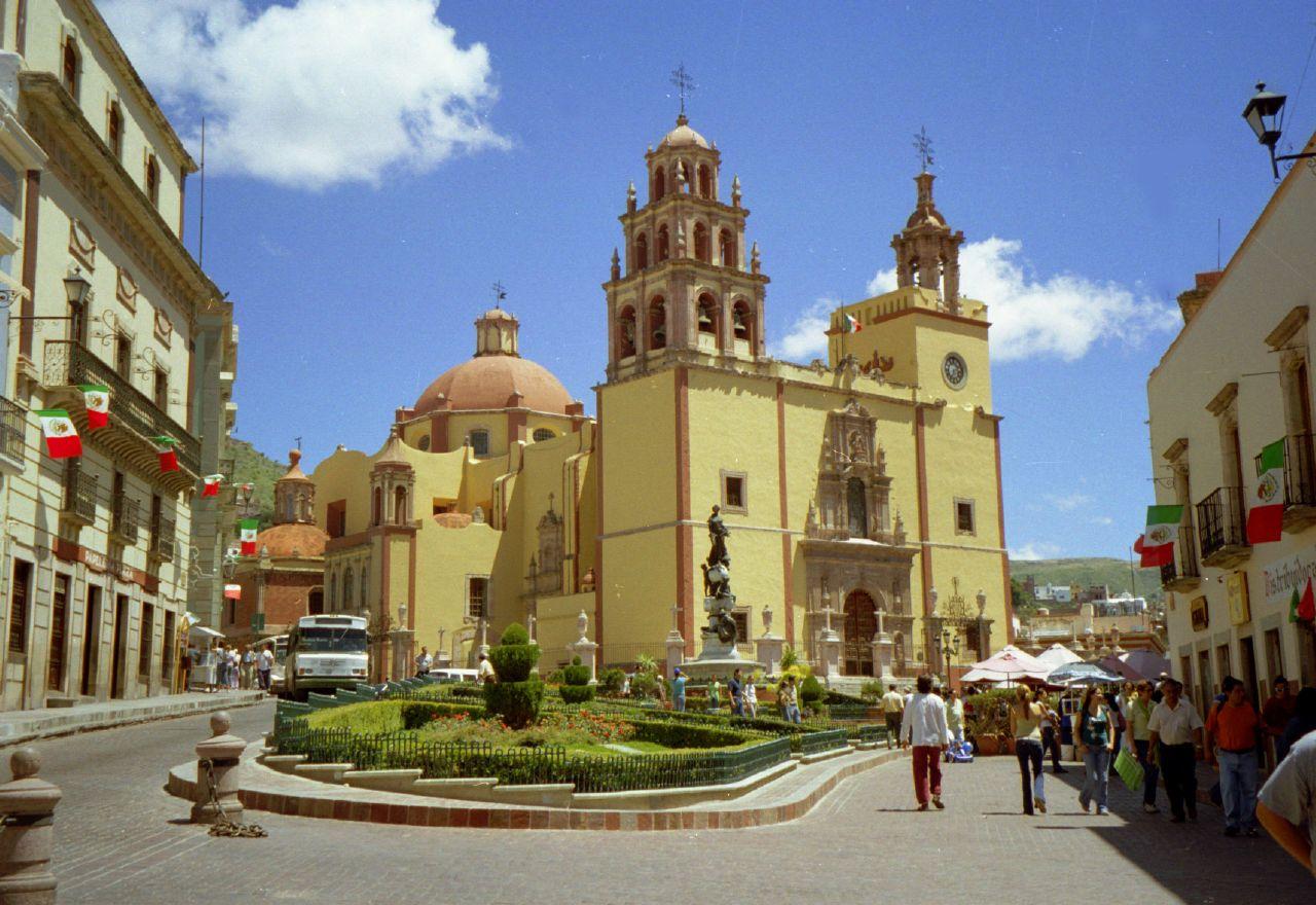 plaza-de-la-paz