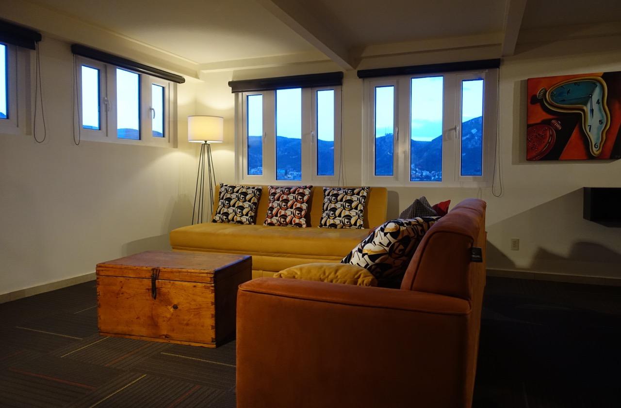 Dali livingroom.jpg