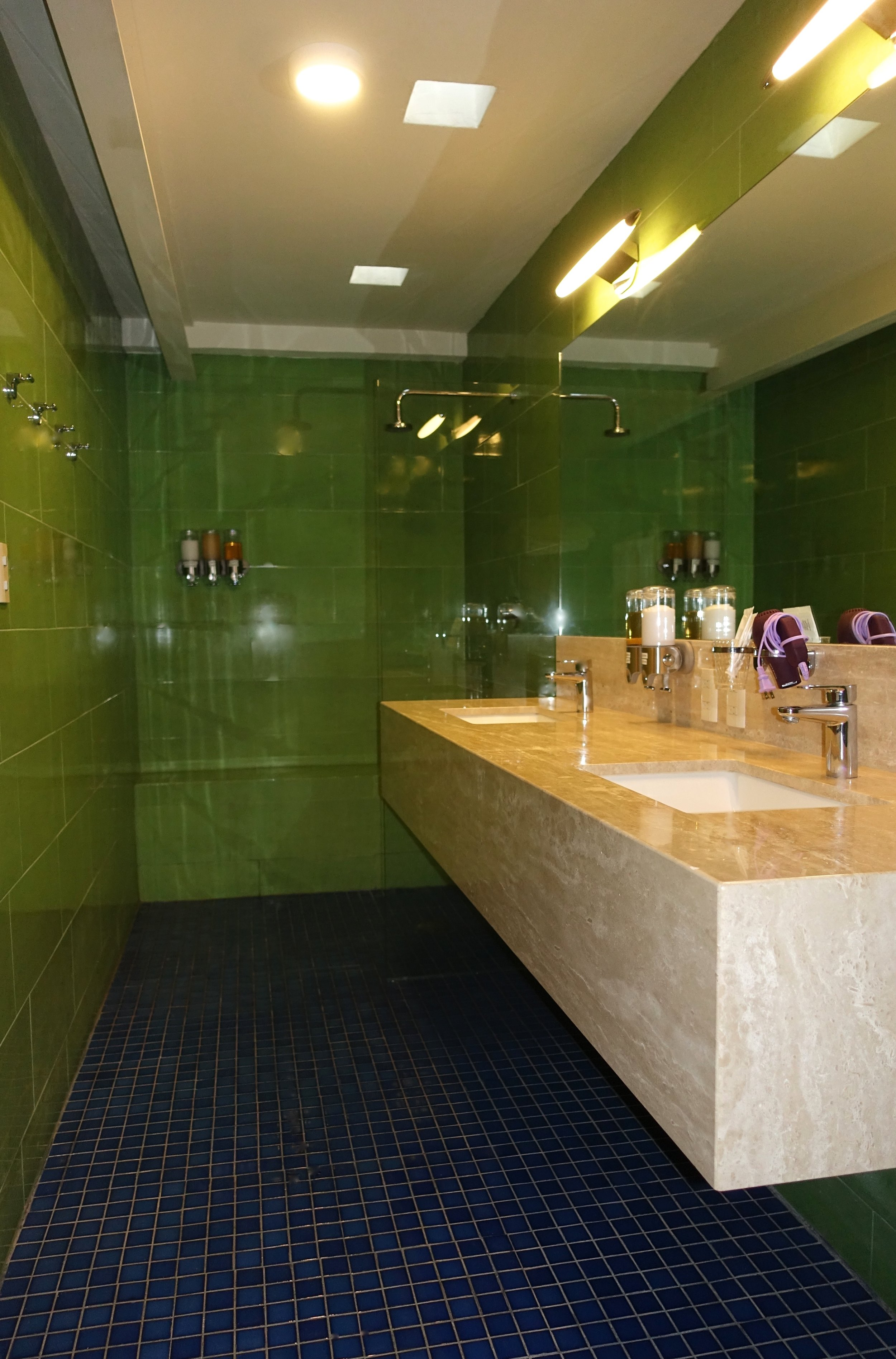 Picasso bathroom.jpg