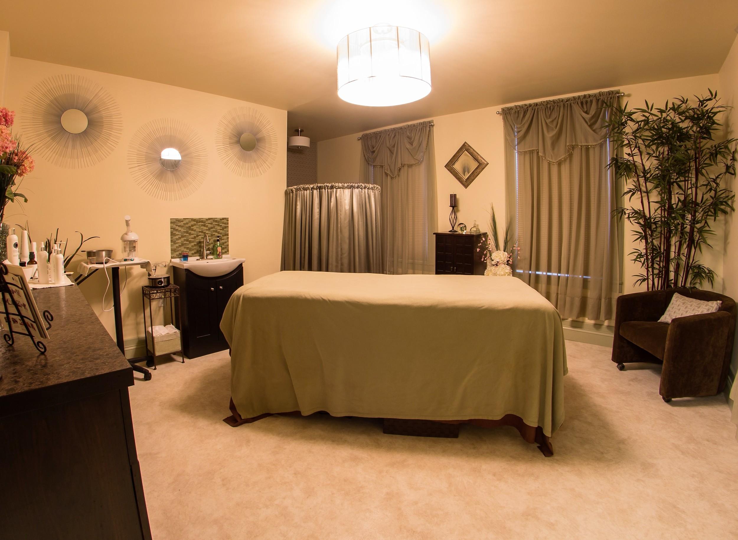 Aromatharapy Room 1.jpg
