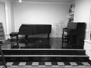 9 pianos.png