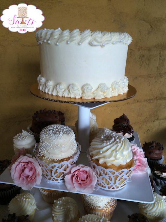Wedding cupcakes.JPG