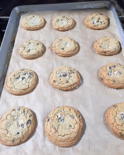 Need ideas for something to bring to your parties this weekend? You can never go wrong with some #fresh baked cookies!