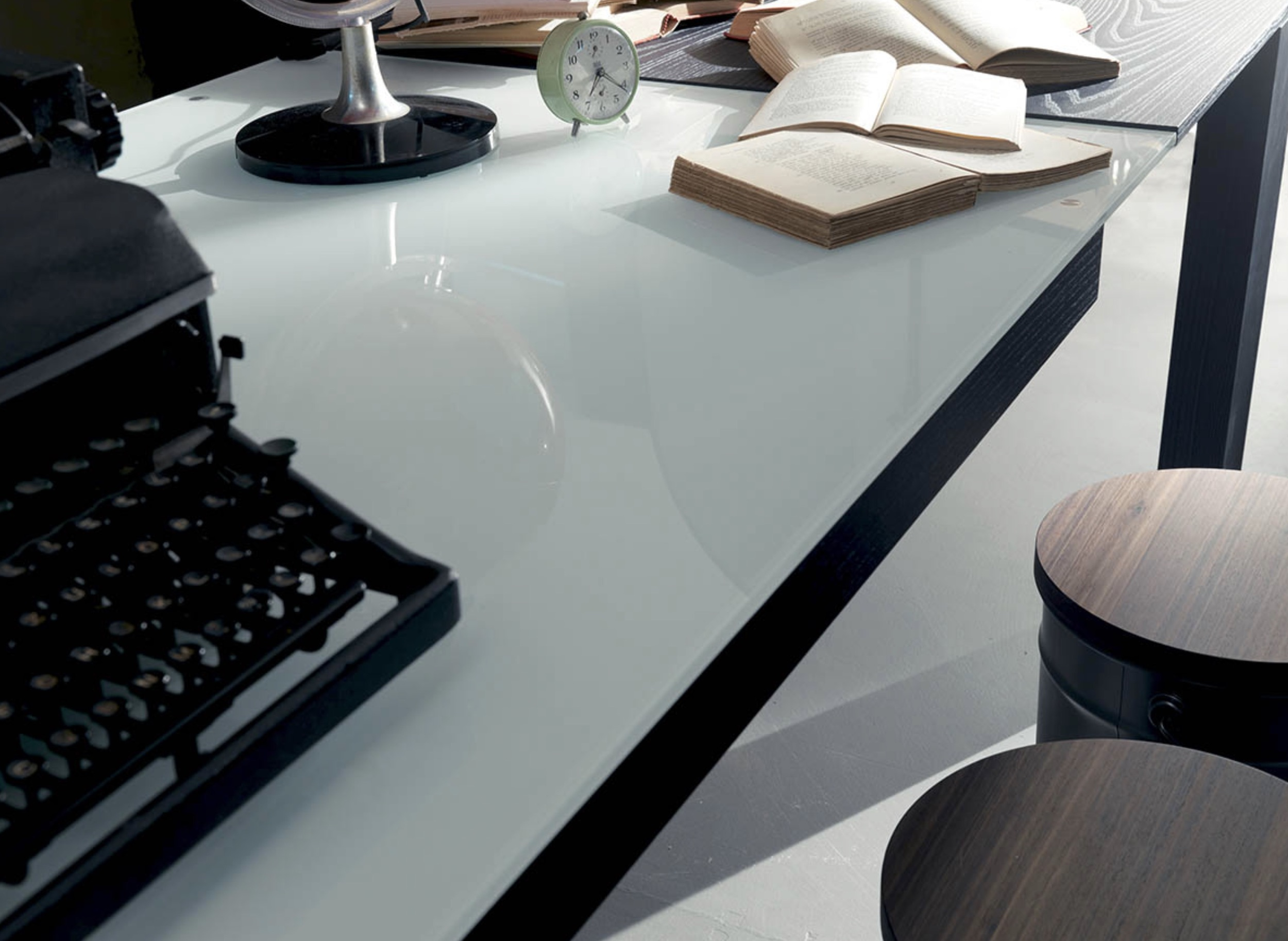 LTB 113 Modern Dining Room Tables