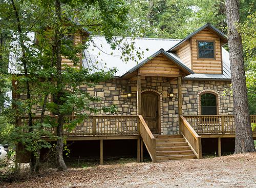 Hearthstone Lodge:   2 Baths – Sleeps 8