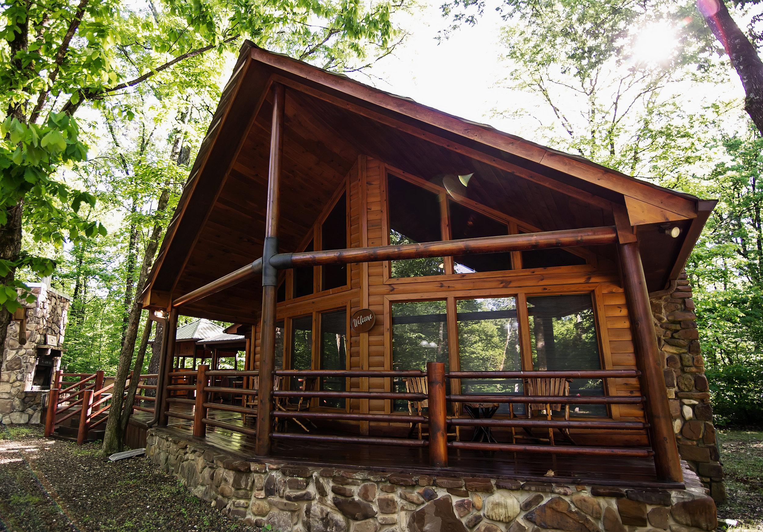 Front Porch Lodge:   3 Baths – Sleeps 10