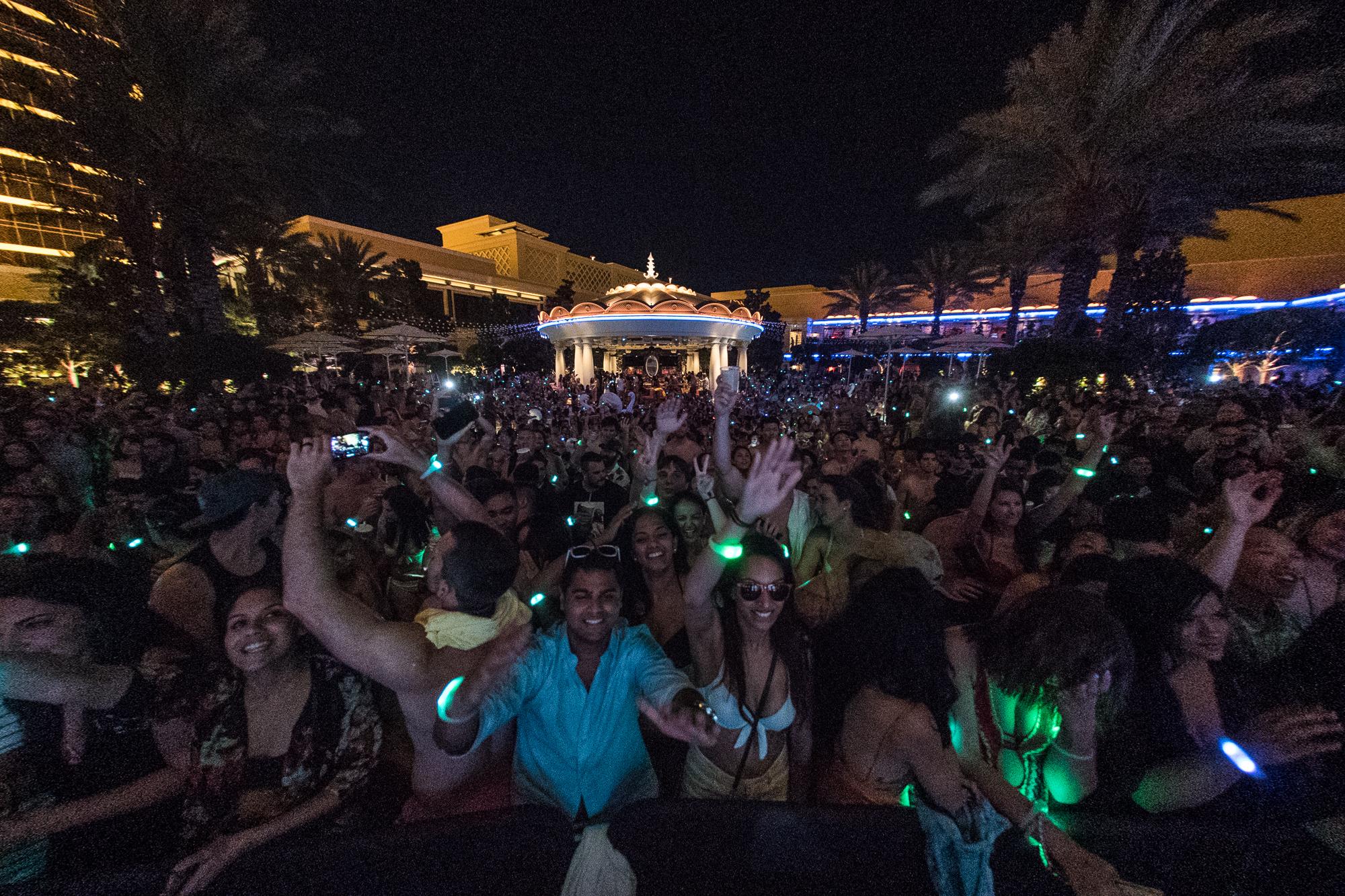 Kygo Wynn Nightlife Back Crowd.JPG